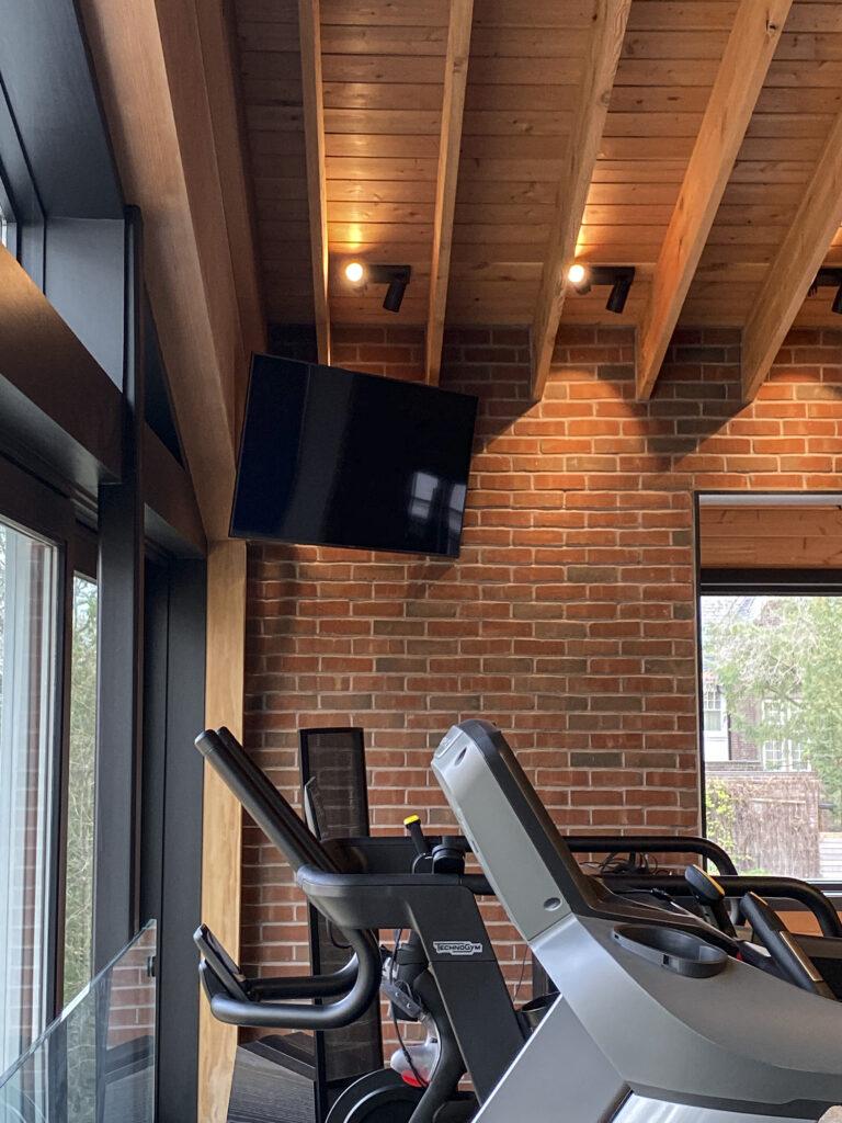 Home gym - TV