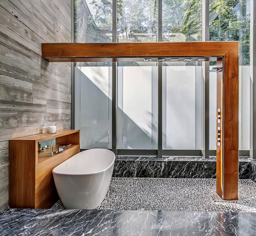 Bathroom automated fog windows